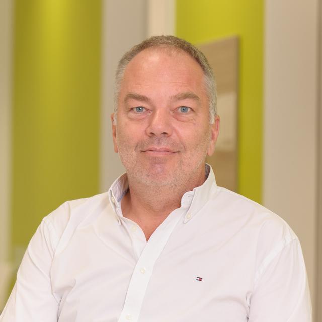 Dr. Axel Selchert