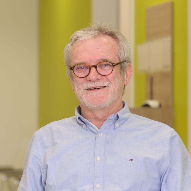 Dr. Josef Kindler